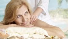 Stresszoldó kikapcsolódás bőrtápláló masszázzsal Hotel Aqua Blue