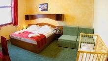 7 éjszakás kikapcsolódás félpanzióval Hotel Anna Villa